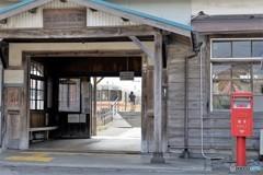 美濃赤坂駅列車到着