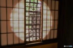 ⑥優雅な丸窓