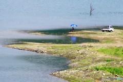 ダム湖で釣りの休日