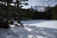 山小屋から見る冬景色
