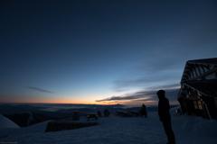 燕山荘 冬 日の出前