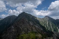 夏の雲、穂高の峰