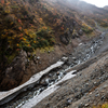 雪渓の名残り、秋を迎える