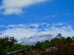 秋空と浅間山