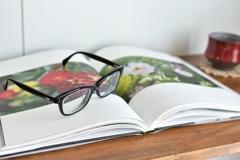本とメガネと…