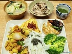 今日の晩御飯…イタダキマス