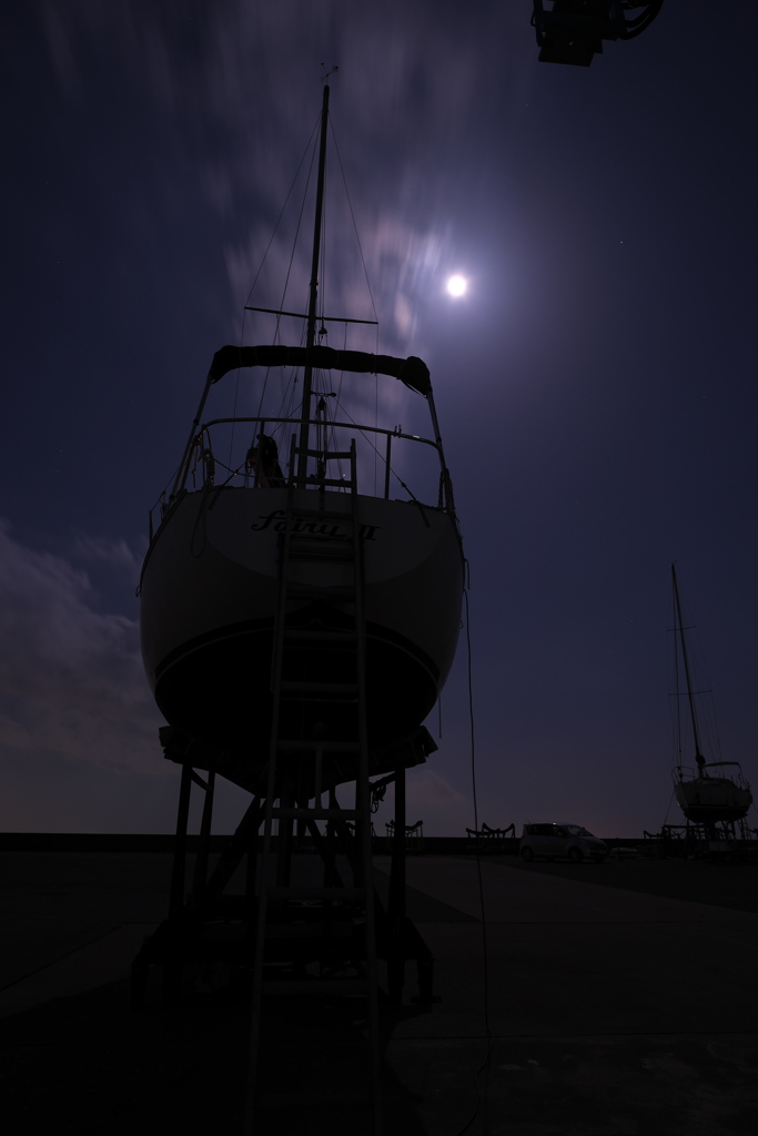 ヨットハーバーの夜景