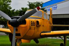 黄色い飛行機。