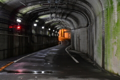 トンネルの向こう。