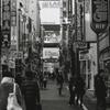 歌舞伎町一番街の昼