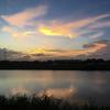 川と夕焼け
