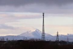 鉄塔と恵庭岳