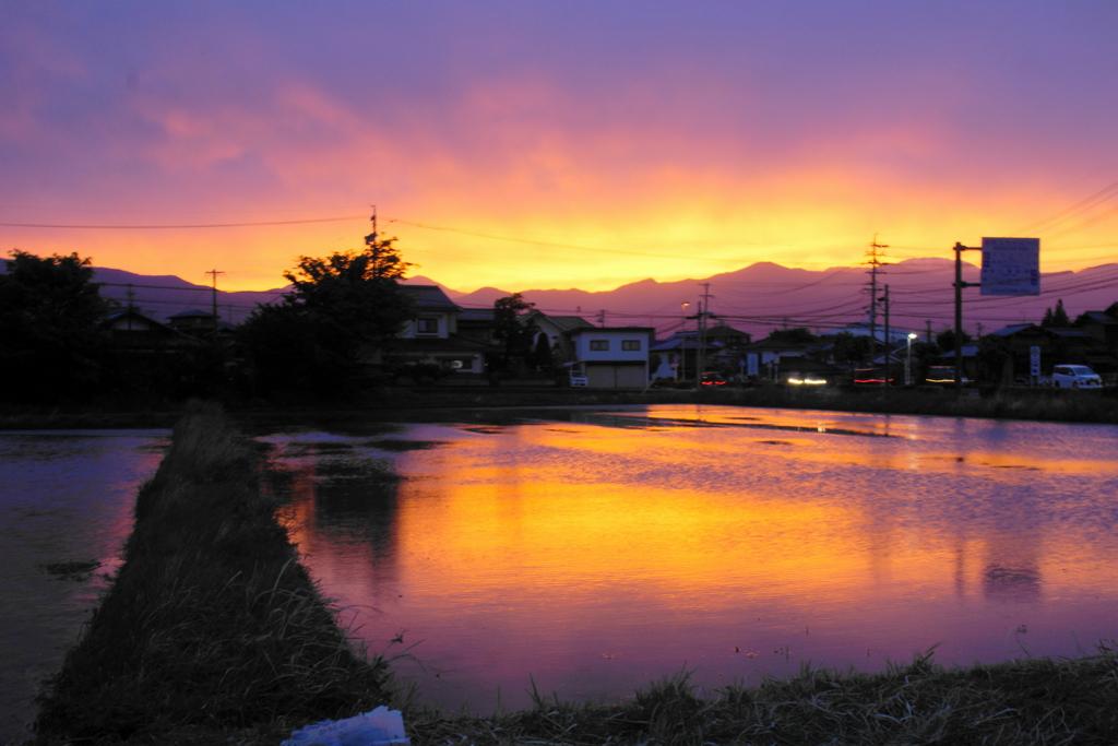 「田舎暮らしの夕焼け」