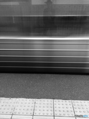 列車の通過にご注意ください