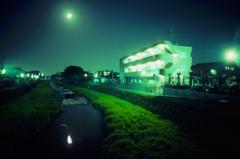 琥珀橋からの月夜の野川