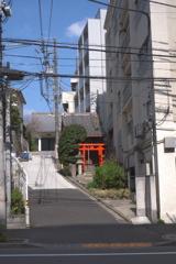 繁栄稲荷神社(牛込神楽坂駅近く)