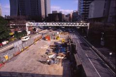 西新宿−新宿駅間工事中