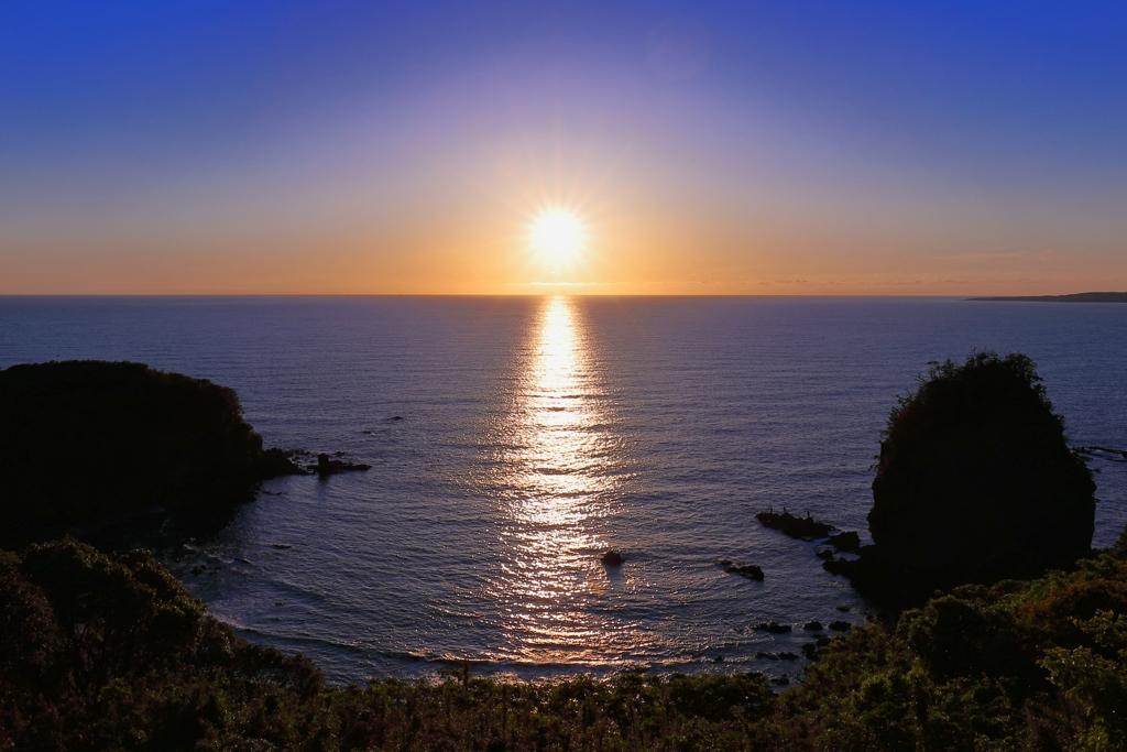 日本海_光の道