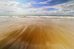 千里浜の波