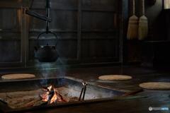 囲炉裏にて