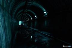 トンネルの先には…?