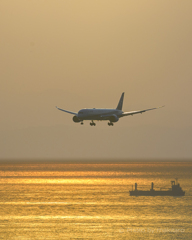 瀬戸の夕景 「亜麻色の空、金色の海」
