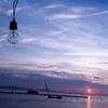 瀬戸の夕焼け 夏の空 裸電球 ゆらゆらと