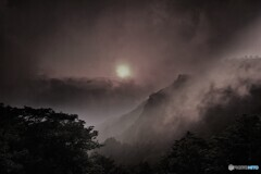 モノクロ瓶ヶ森雲内