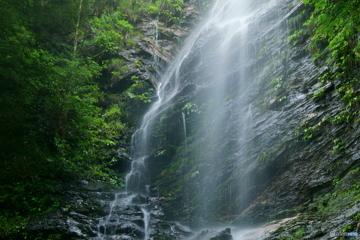 滴る水ヶ滝
