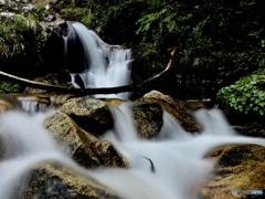 静穏の滝、ザブザブと。