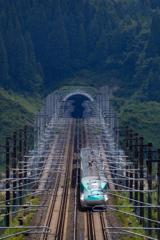 展望台から新幹線