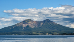 海から眺める駒ケ岳