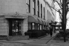 ニューグランドホテル前