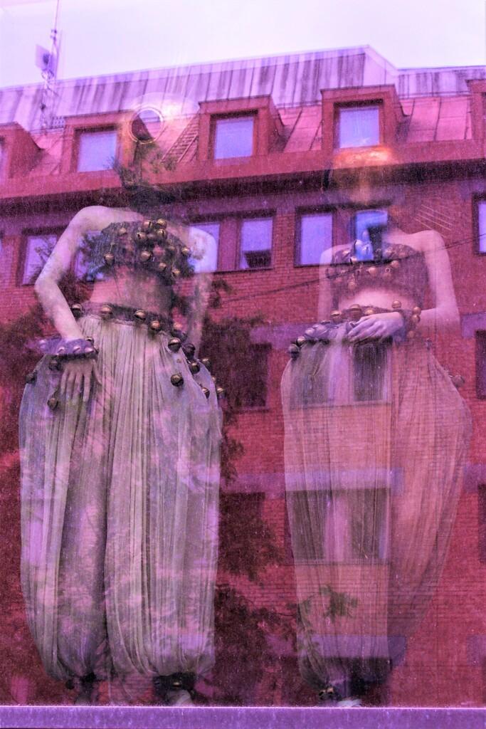 古き館の娘たち