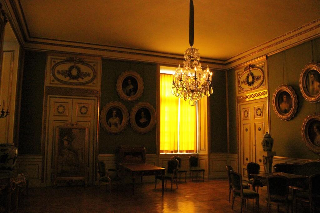 黄色い部屋 (ドロットニングホルム宮殿 4)