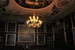 薄闇の中の輝き (ドロットニングホルム宮殿 7)