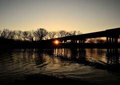 名もない橋の朝