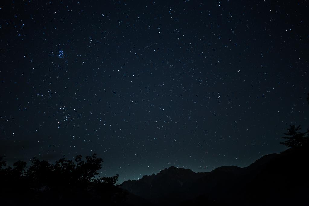 剣岳と星空1