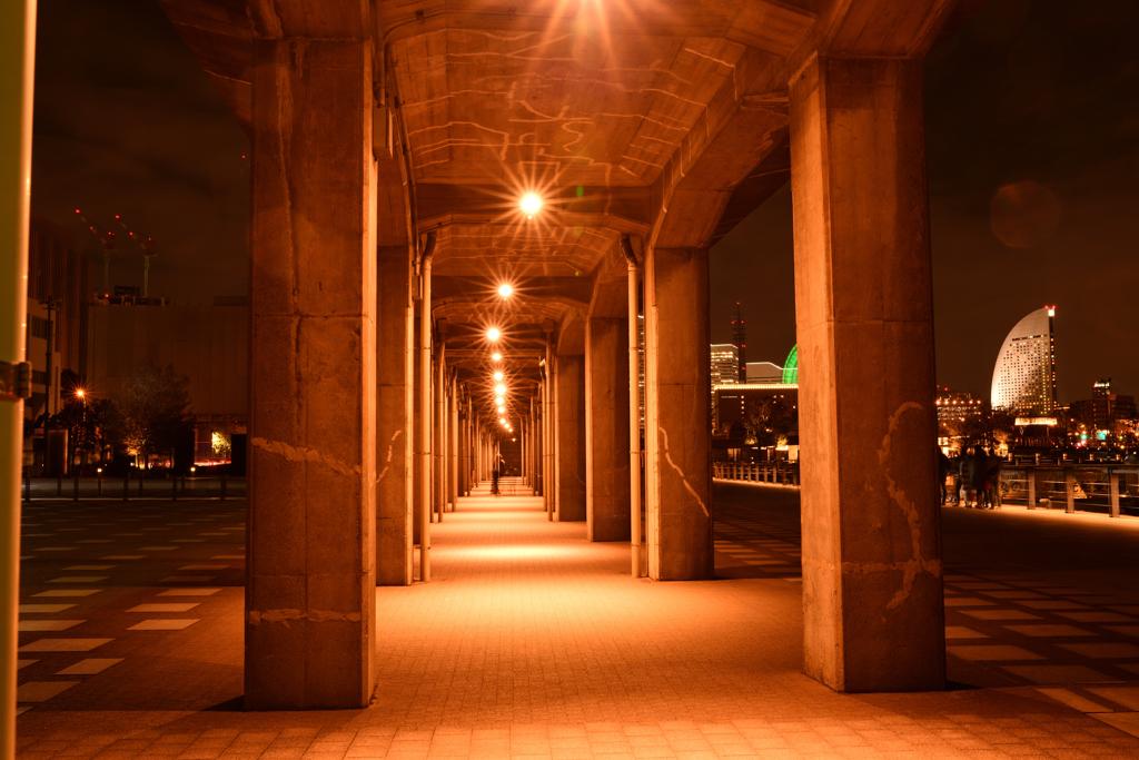 高架下の空間