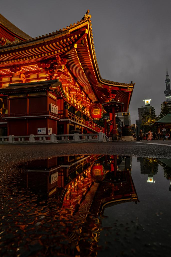 浅草寺・雨の日