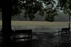 雨の競技場