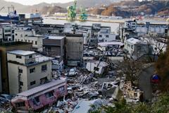 38-高台から2011:03:11 13日後の釜石市