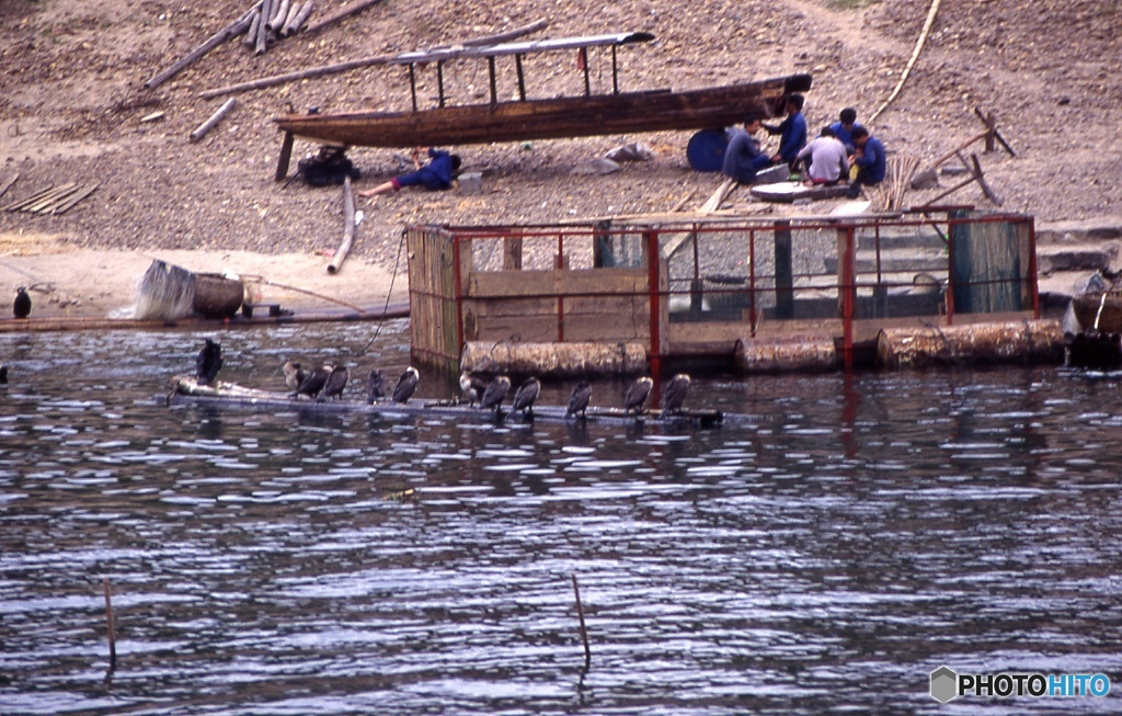 川の漁民たち