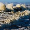 海(台風16号余波)