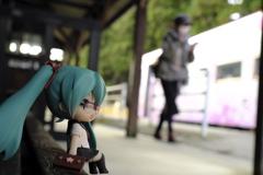 フィギュアのある鉄道風景 羽前成田駅ホーム