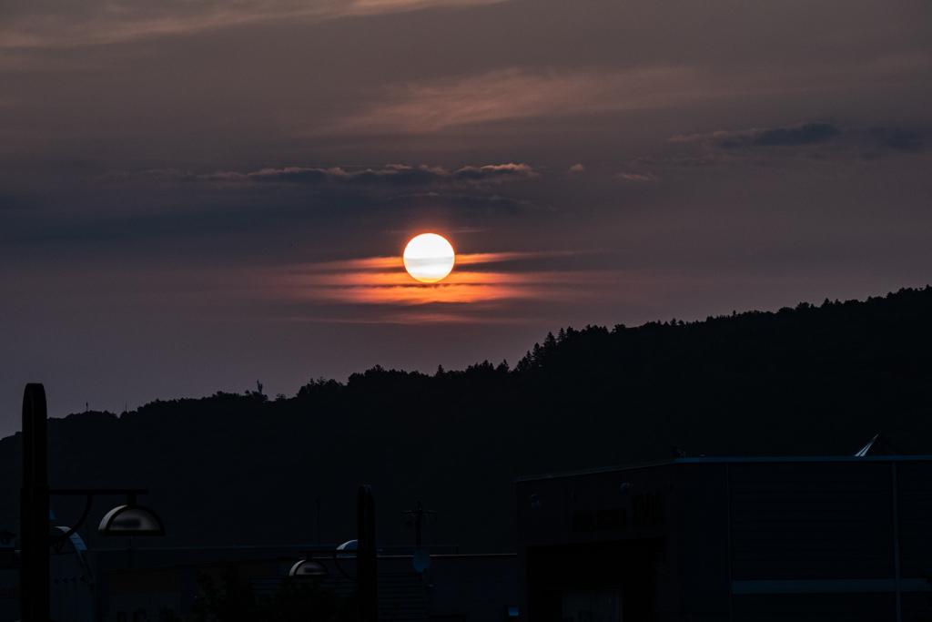 明けの太陽