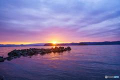 冬の光 湖畔の夜明け