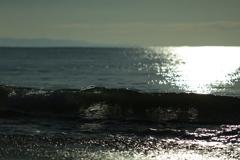 光、波、静まり高まった