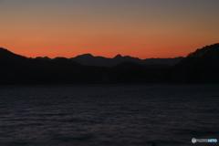 明け行く野尻湖