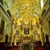 黄金色に輝く祭壇